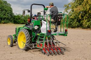 The ZÜRN D62-SF is the powerful and cost-effective alternative solution to self-propelled seeders.